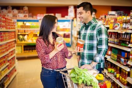 Wie du eine Frau beim Einkaufen ansprechen kannst