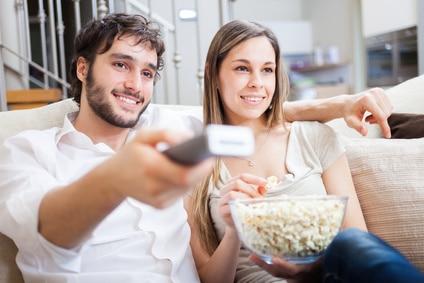Eine Frau an einem DVD Abend verführen